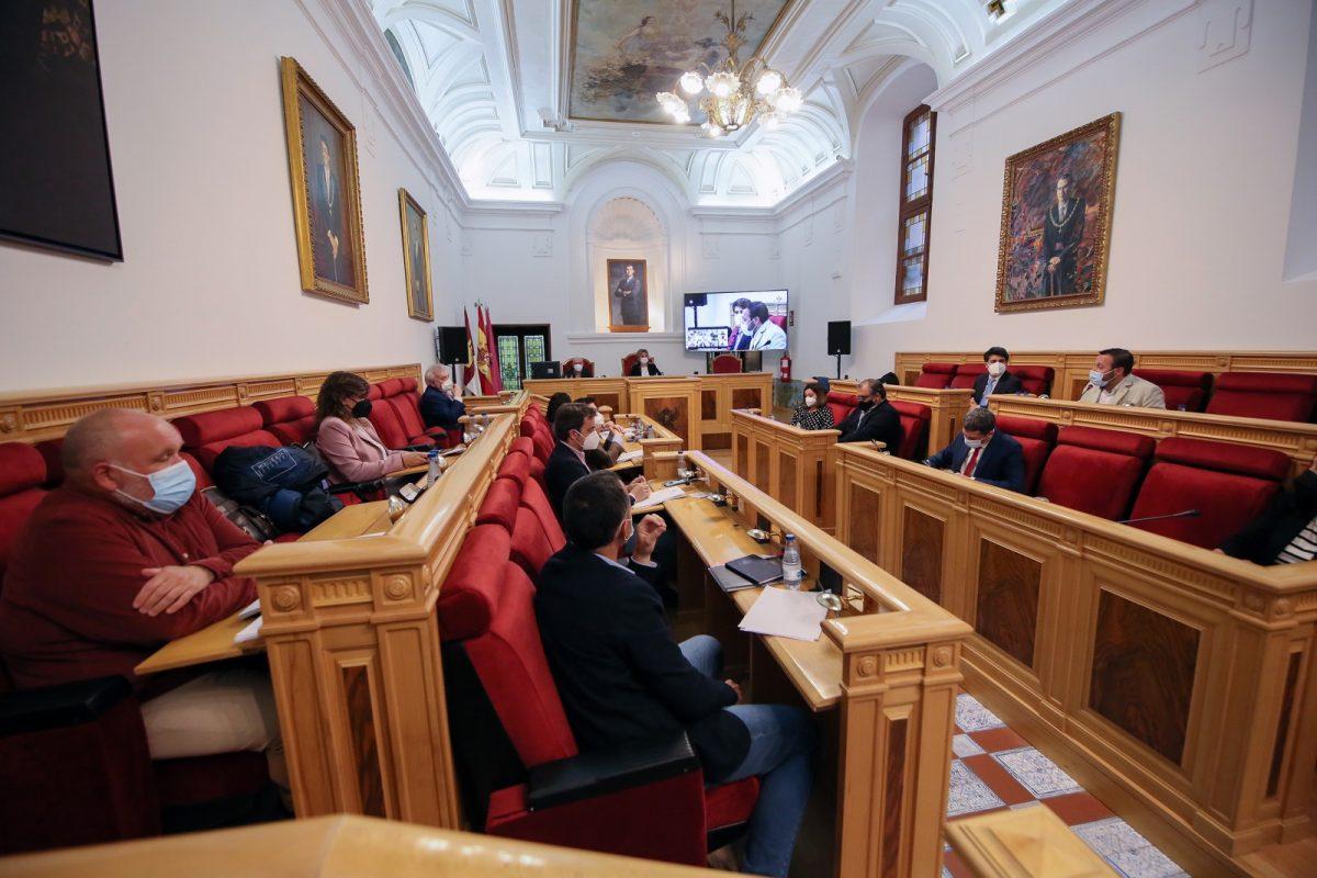https://www.toledo.es/wp-content/uploads/2021/04/pleno_municipal_5-1200x800.jpg. El Pleno secunda poner fin al trasvase Tajo-Segura e instar al Gobierno a fomentar políticas de adaptación del regadío