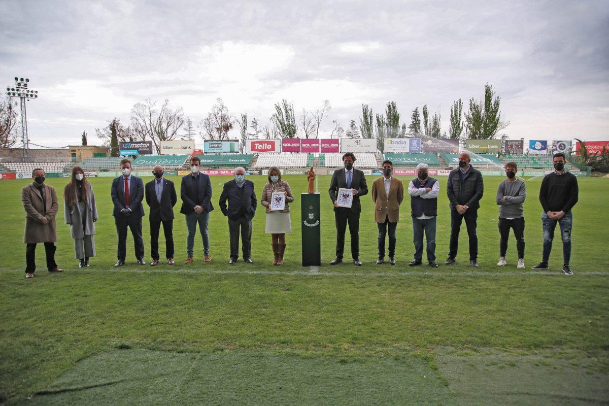 https://www.toledo.es/wp-content/uploads/2021/04/prena_buitre_6-1200x800.jpg. El Ayuntamiento respalda el acto de la peña 'El Buitre' y el Club Deportivo Toledo