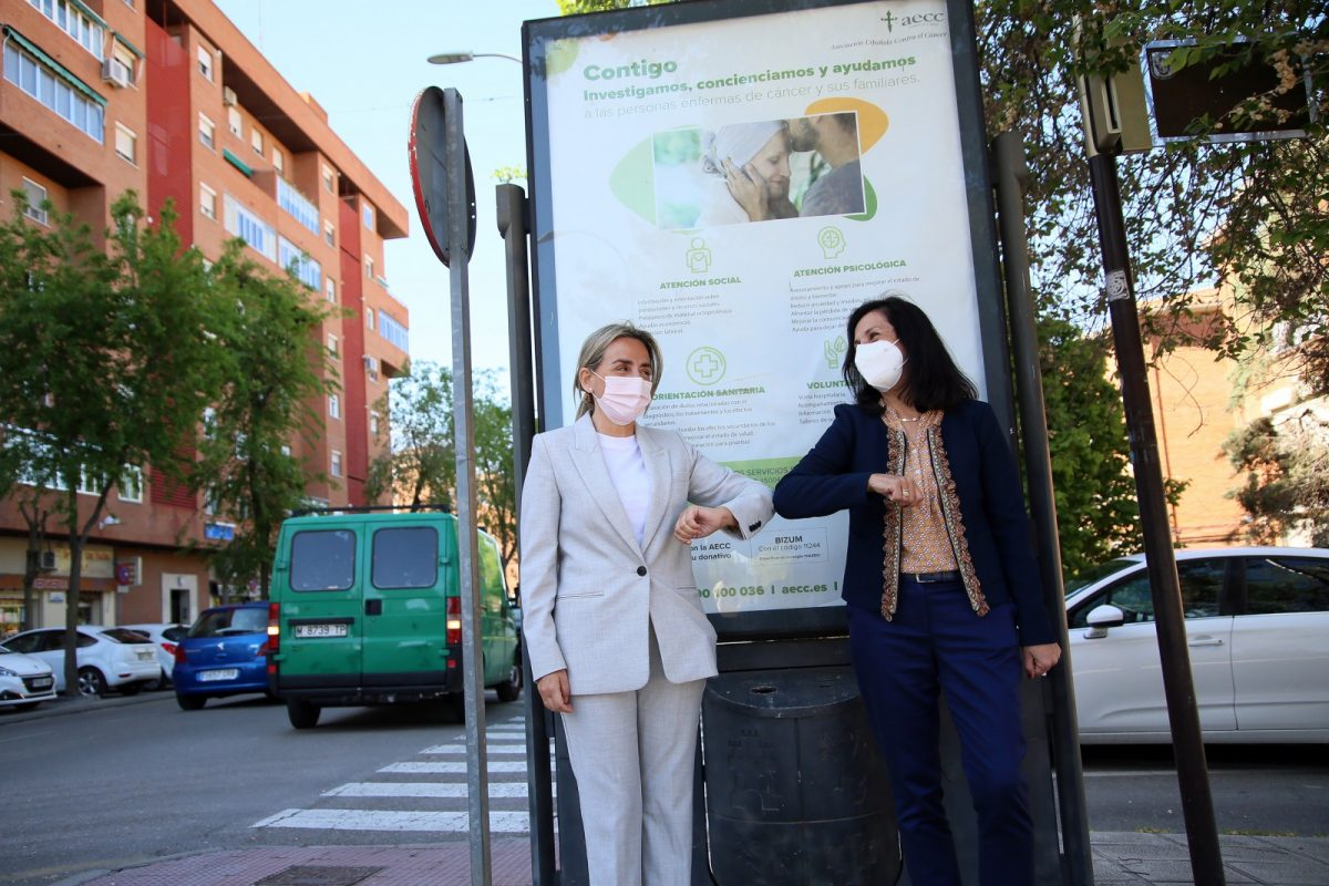 https://www.toledo.es/wp-content/uploads/2021/04/publicidad_cancer_4-1200x800.jpg. El Ayuntamiento colabora con la AECC en la difusión de información y sensibilización sobre el cáncer