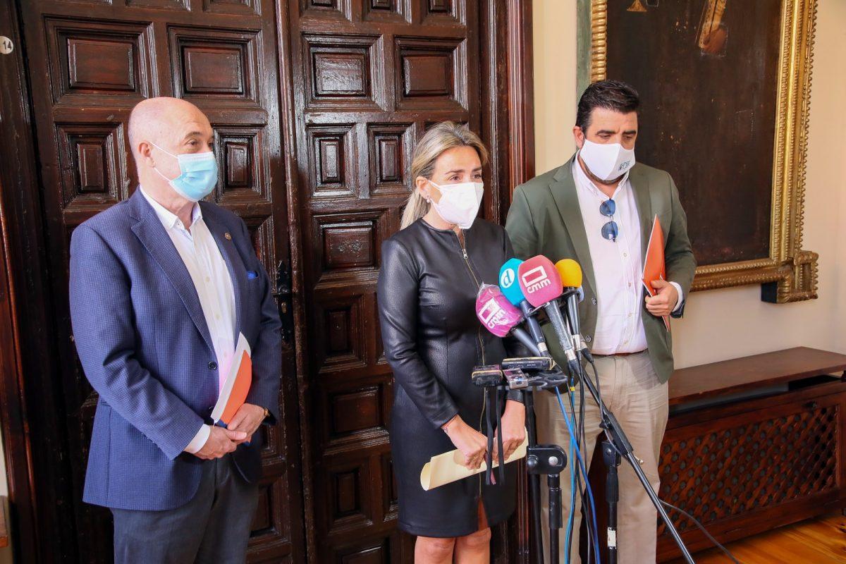 https://www.toledo.es/wp-content/uploads/2021/04/reunion_hosteleros_1-1200x800.jpg. La alcaldesa traslada su respaldo a los hosteleros y repasa con el sector nuevas medidas de apoyo para su reactivación