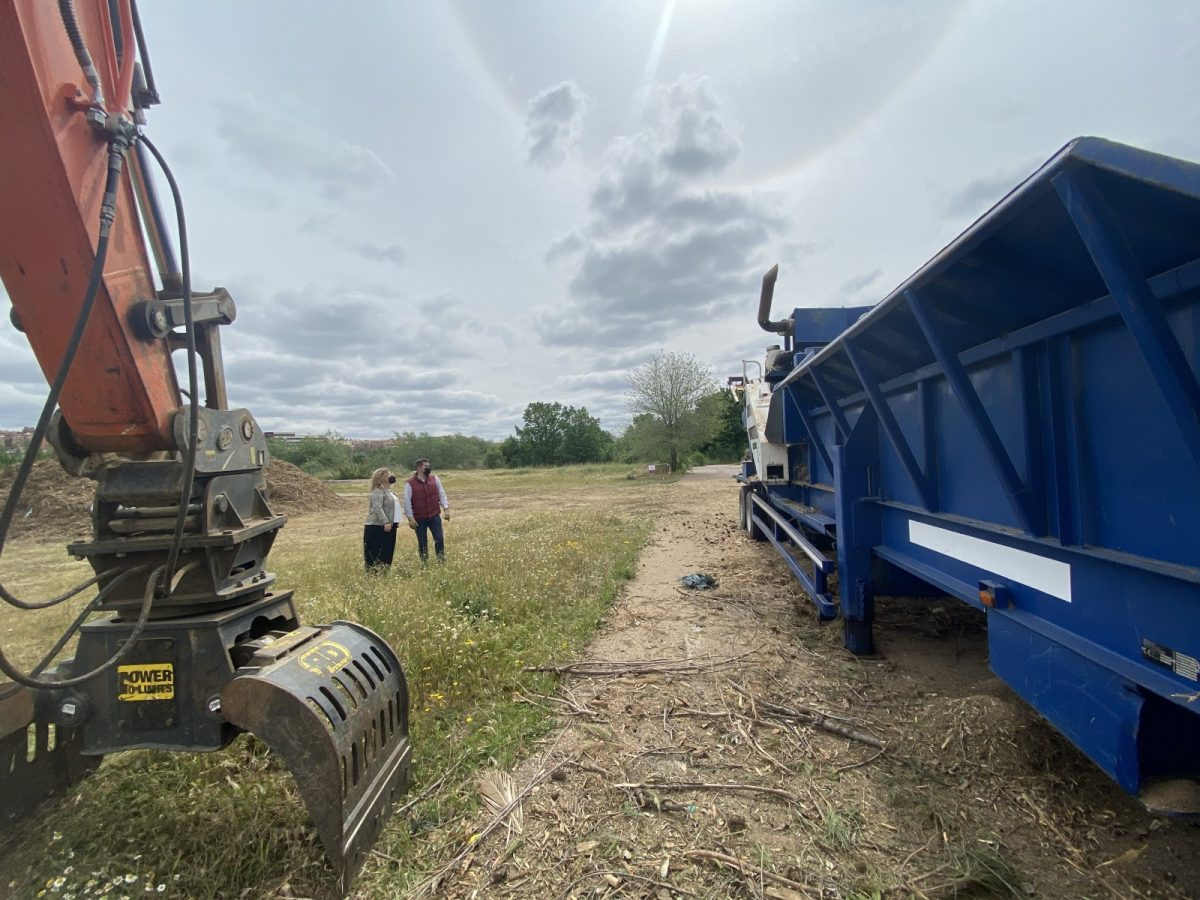 https://www.toledo.es/wp-content/uploads/2021/04/triturado-de-residuos-vegetales-3-1200x900.jpg. Los trabajos de biomasa continúan en la Peraleda para reciclar el arbolado dañado por el temporal Filomena
