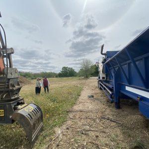 os trabajos de biomasa continúan en la Peraleda para reciclar el arbolado dañado por el temporal Filomena