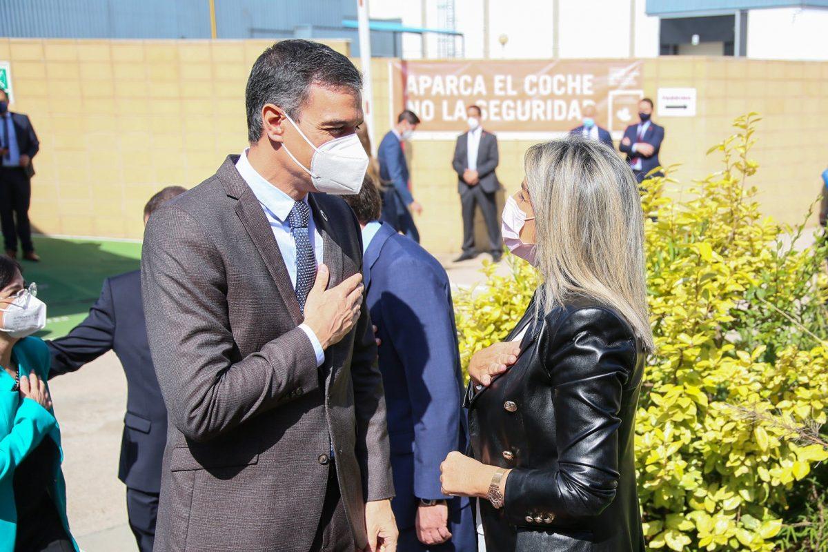 https://www.toledo.es/wp-content/uploads/2021/04/visita_presidente_janssen_2-1200x800.jpg. La alcaldesa y el presidente del Gobierno destacan la posición de la ciudad en el ámbito de la investigación científica en la visita al centro de Janssen-Cilag