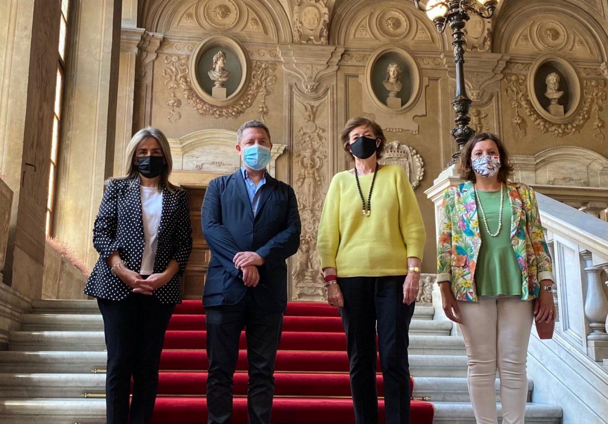 """https://www.toledo.es/wp-content/uploads/2021/05/0d6a534f-7492-4eae-9816-d2e987804bbc-1200x838.jpeg. La alcaldesa destaca los """"lazos históricos"""" de Toledo con el Papa en su reunión con la embajadora de España en el Vaticano"""