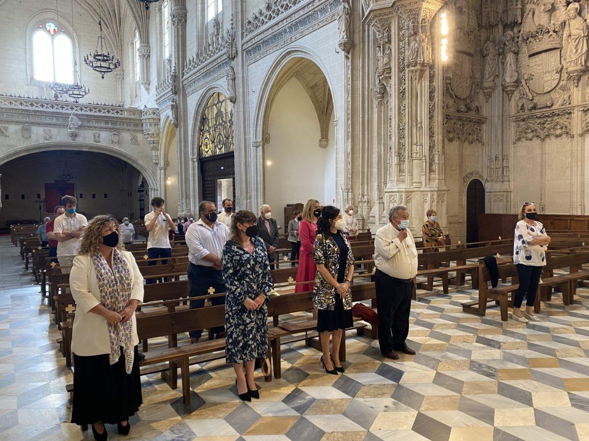https://www.toledo.es/wp-content/uploads/2021/05/60b96798-5753-458b-8675-e18c5989a2db-1200x900.jpeg. El equipo de Gobierno arropa a los hermanos de la Virgen de la Bastida en la misa en su honor