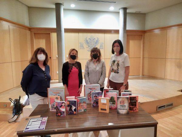 Ana Abellán_entrega libros centros escolares e institutos_1