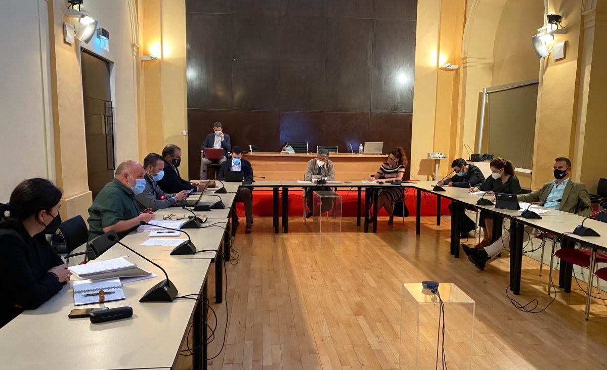 https://www.toledo.es/wp-content/uploads/2021/05/comision-urbanismo-02-1200x732.jpg. Sale a información pública la modificación puntual 30 que facilitará la autorización de suelo industrial en Toledo