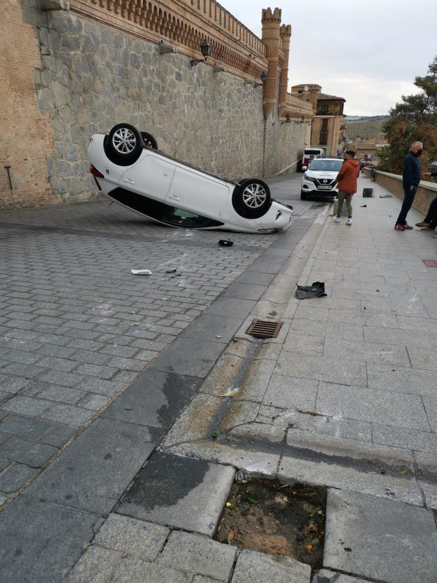 """https://www.toledo.es/wp-content/uploads/2021/05/img_20210509_195902-900x1200.jpg. La Policía Local interpone en Toledo capital un total de 43 denuncias en """"un fin de semana bastante normal"""""""