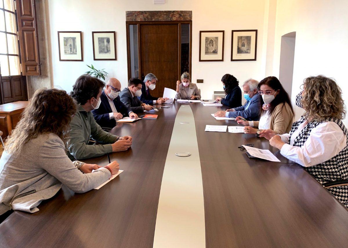 https://www.toledo.es/wp-content/uploads/2021/05/junta-de-gobierno-local-1200x857.jpeg. La Junta de Gobierno Local aprueba las obras para la renovación de la iluminación artística de San Juan de los Reyes
