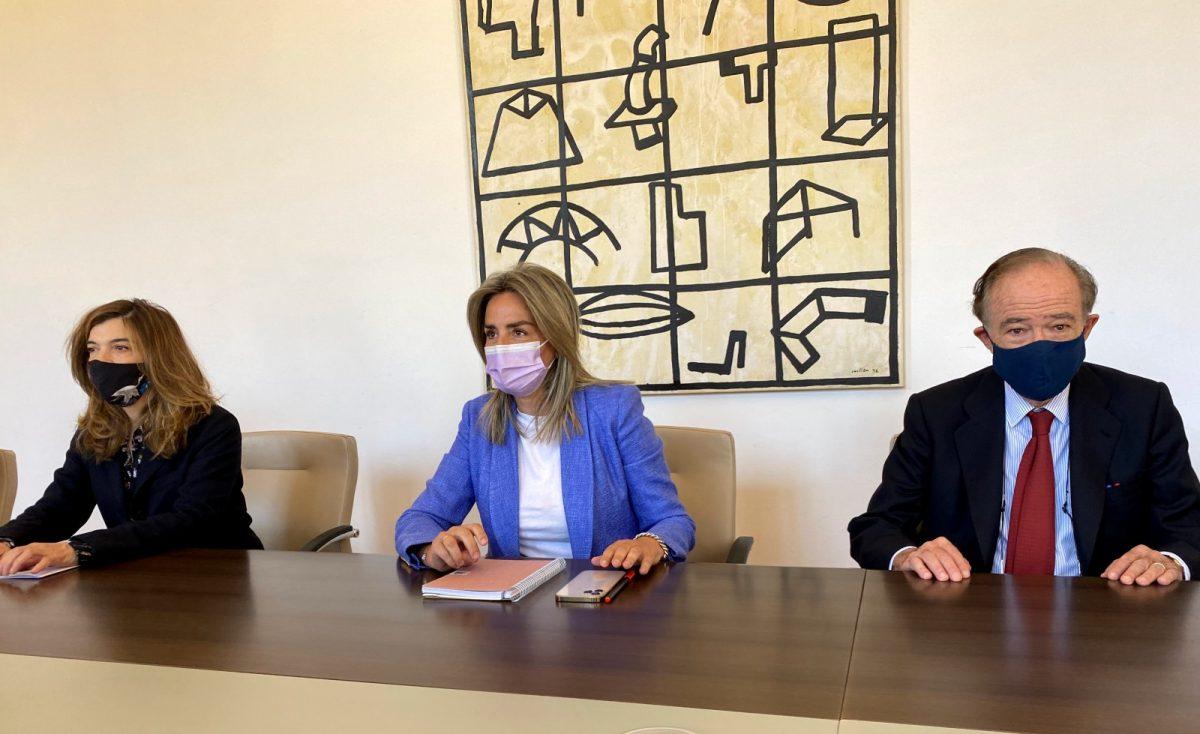 https://www.toledo.es/wp-content/uploads/2021/05/reunion-real-fundacion-02-1200x734.jpg. La alcaldesa se reúne con la Real Fundación para avanzar en proyectos de ciudad de índole cultural, artística y patrimonial
