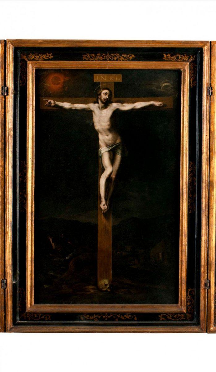 https://www.toledo.es/wp-content/uploads/2021/05/triptico-crucifixion-698x1200.jpg. Pieza invitada del Museo del Greco: Tríptico de la Crucifixión