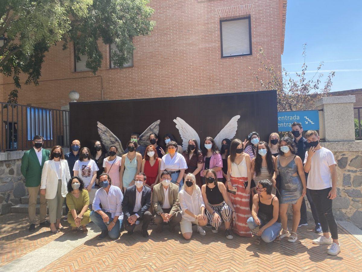 """https://www.toledo.es/wp-content/uploads/2021/06/alas-de-toledo-01-1200x900.jpg. El Ayuntamiento destaca la """"ejemplaridad"""" del proyecto educativo 'Alas de Toledo' expuesto en Roca Tarpeya"""