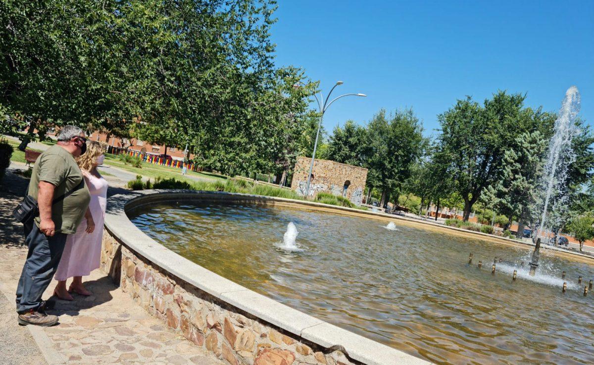https://www.toledo.es/wp-content/uploads/2021/07/fuente-parque-de-la-luz_1-1200x738.jpeg. El Ayuntamiento repara y pone en marcha con una inversión cercana a los 2.000 euros la fuente del Parque de la Luz del Polígono