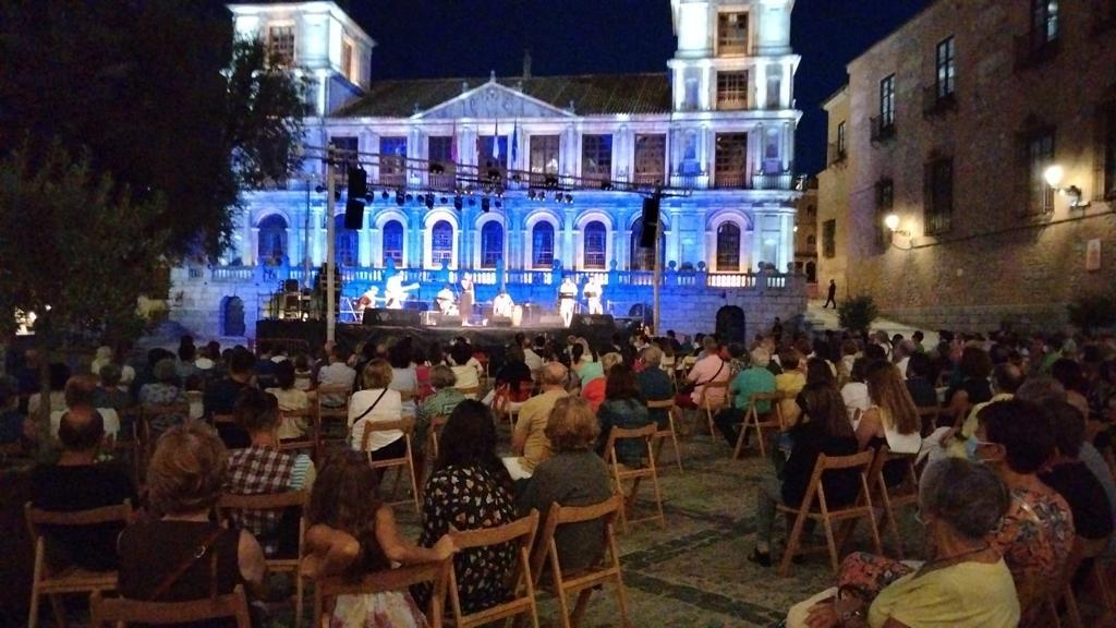 https://www.toledo.es/wp-content/uploads/2021/08/20210801_festival_musicas_mundo-1.jpeg. La V edición del Festival de Músicas del Mundo de Toledo culmina con gran éxito al son de los ritmos brasileños de Gafieira Miúda