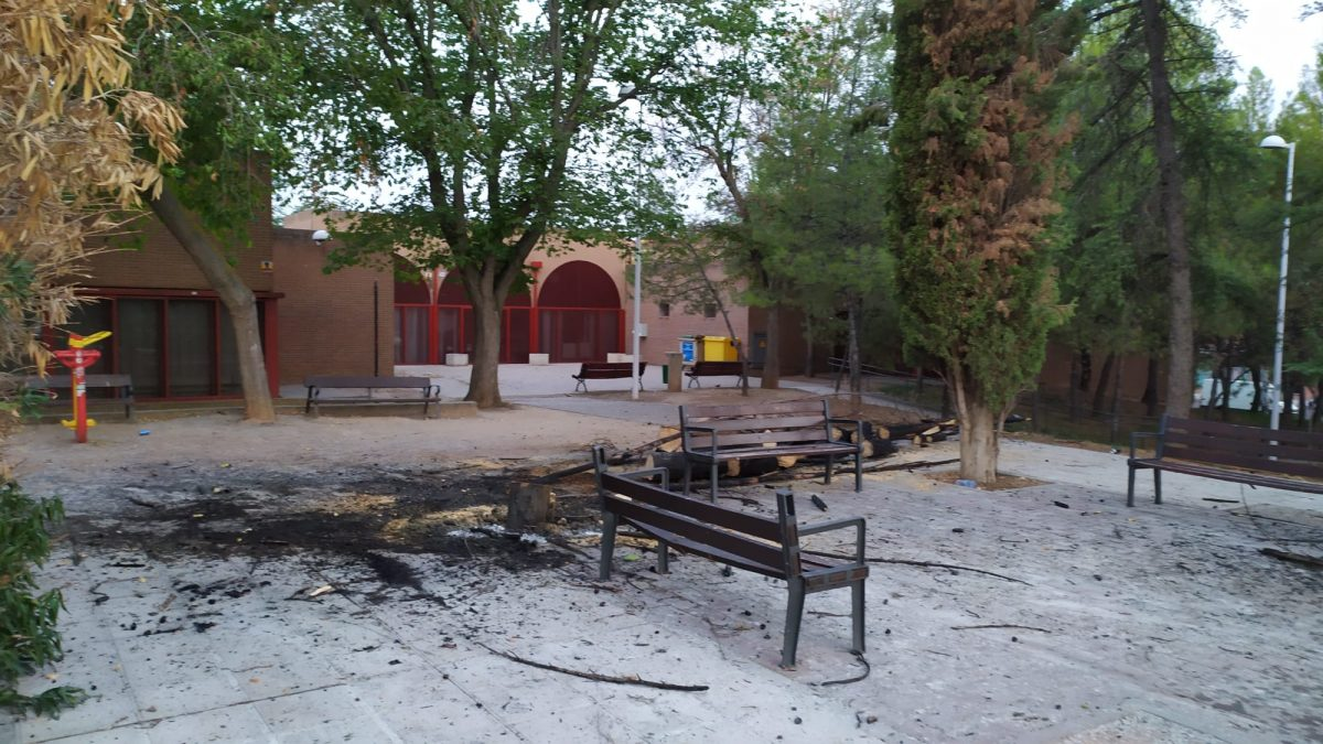 https://www.toledo.es/wp-content/uploads/2021/08/20210823_boladiez_fuego-1200x675.jpeg. La Policía Local pide colaboración ciudadana para localizar a las personas que han provocado diversos incendios en el Polígono