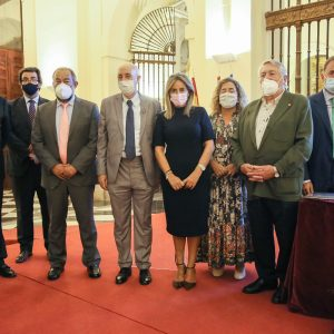a alcaldesa asiste a la presentación del libro 'Perdiguero de Burgos, un perro de reyes' de José Manuel Sanz Timón